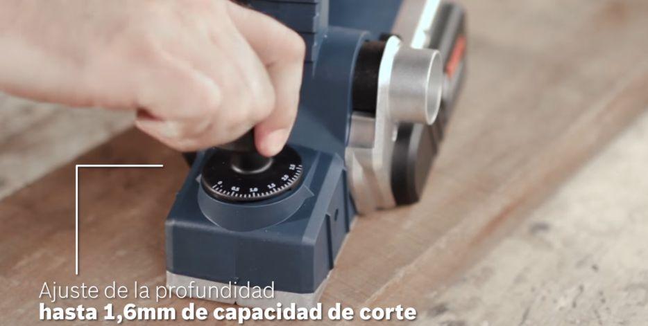 Capacidad de corte del Cepillo eléctrico Bosch GHO 26-82